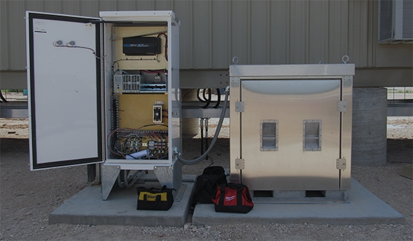 AC-UPS and DC-UPS Power